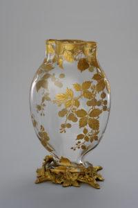 金彩木の実文台付花器