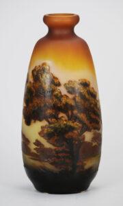湖水風景図花瓶